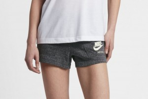 Spodenki W NSW GYM VNTG SHORT