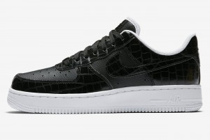 Buty WMNS AIR FORCE 1 '07 ESS